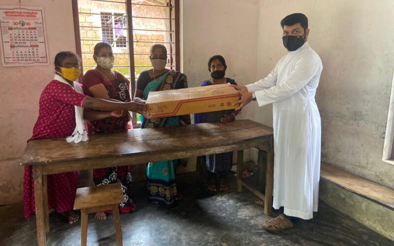 Distribution of materials to tribal women to start Food processing units in Kannur district